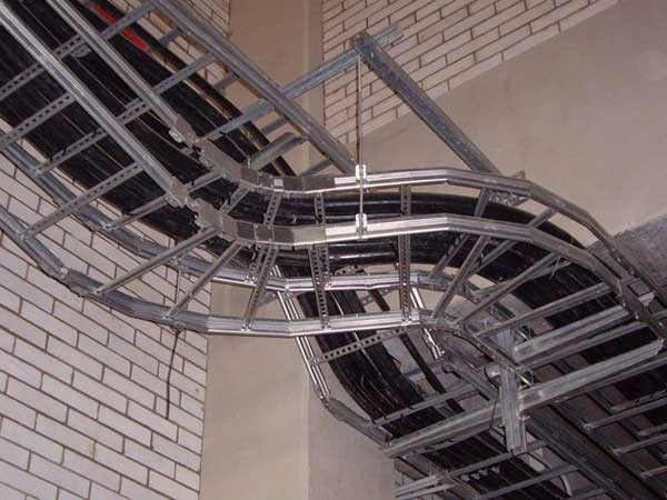Laying cables and wires in cable trays and ducts